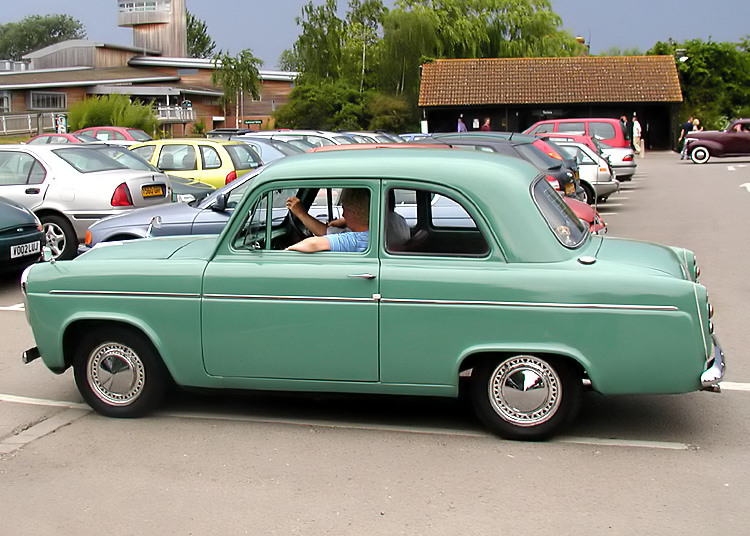 56-59_Ford_Anglia_can_anyone_help