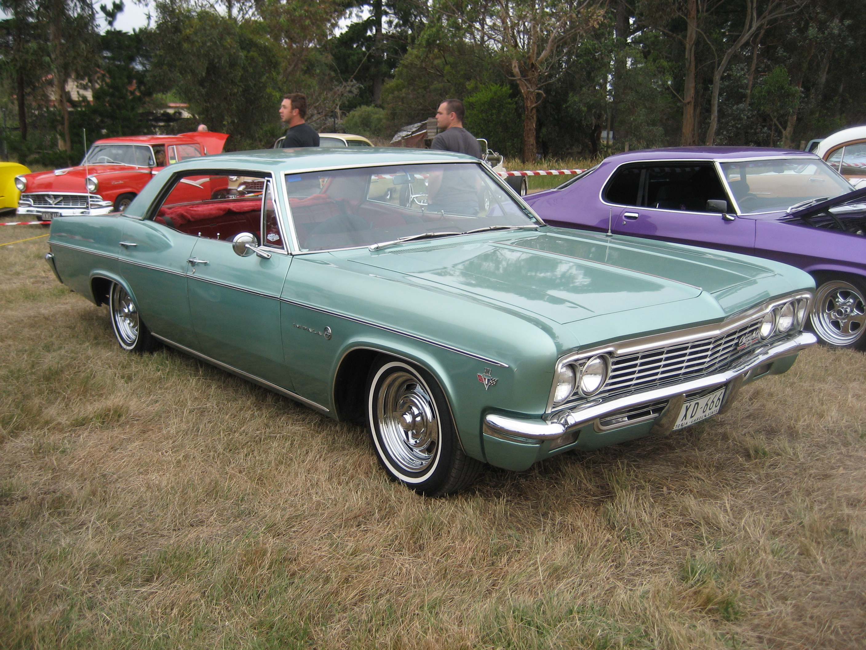 1966_Chevrolet_Impala_4_door_Hardtop_-_F