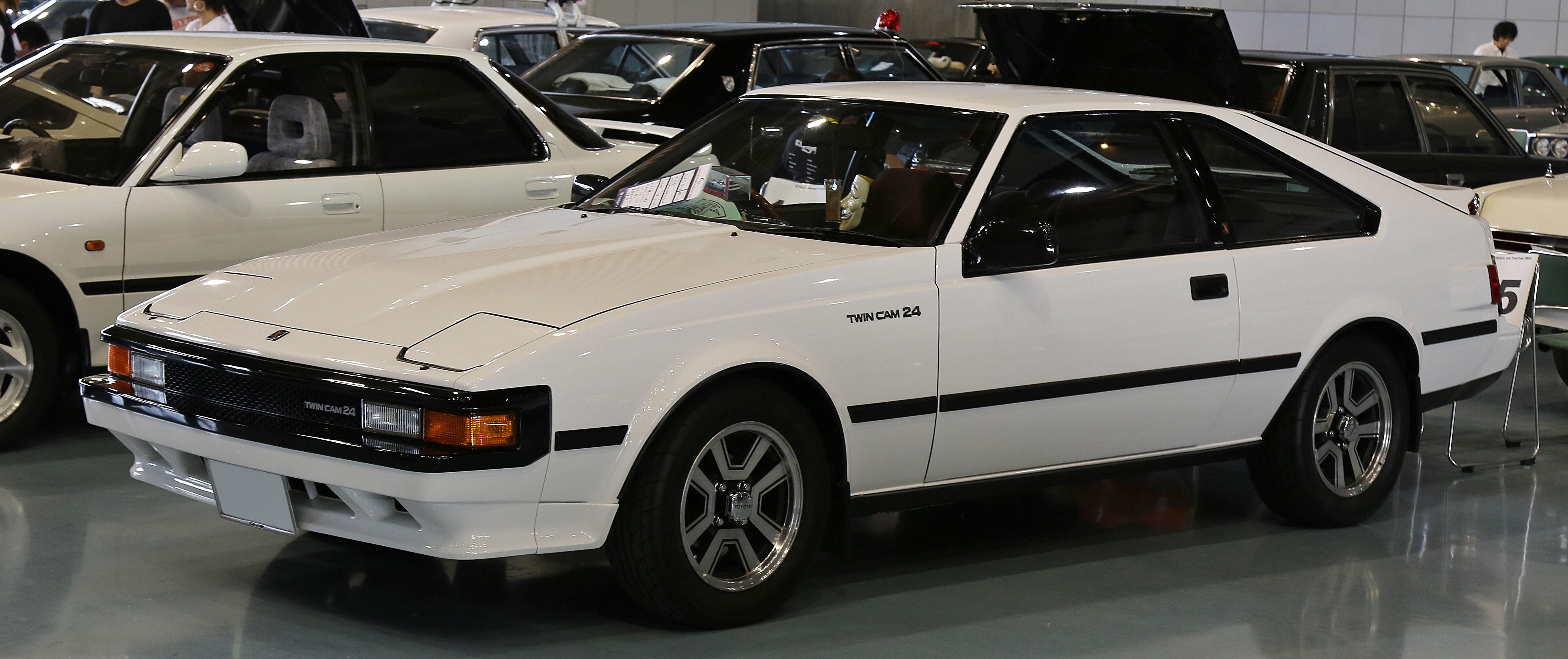 1983-1986_Toyota_Celica_XX_2000GT.jpg