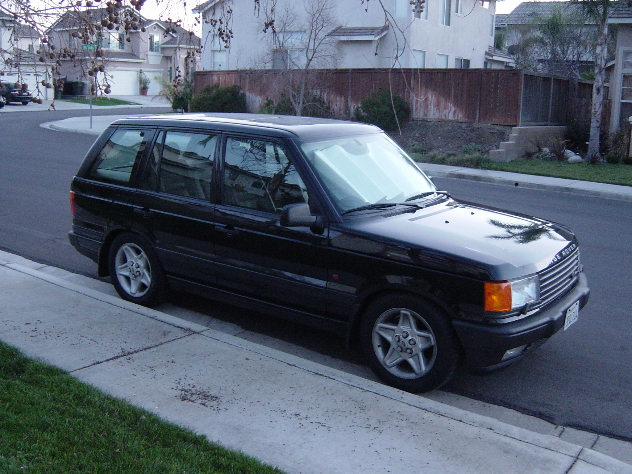 exterior of series rover range picture landrover overview land bmw pic worthy gallery cars rwd cargurus