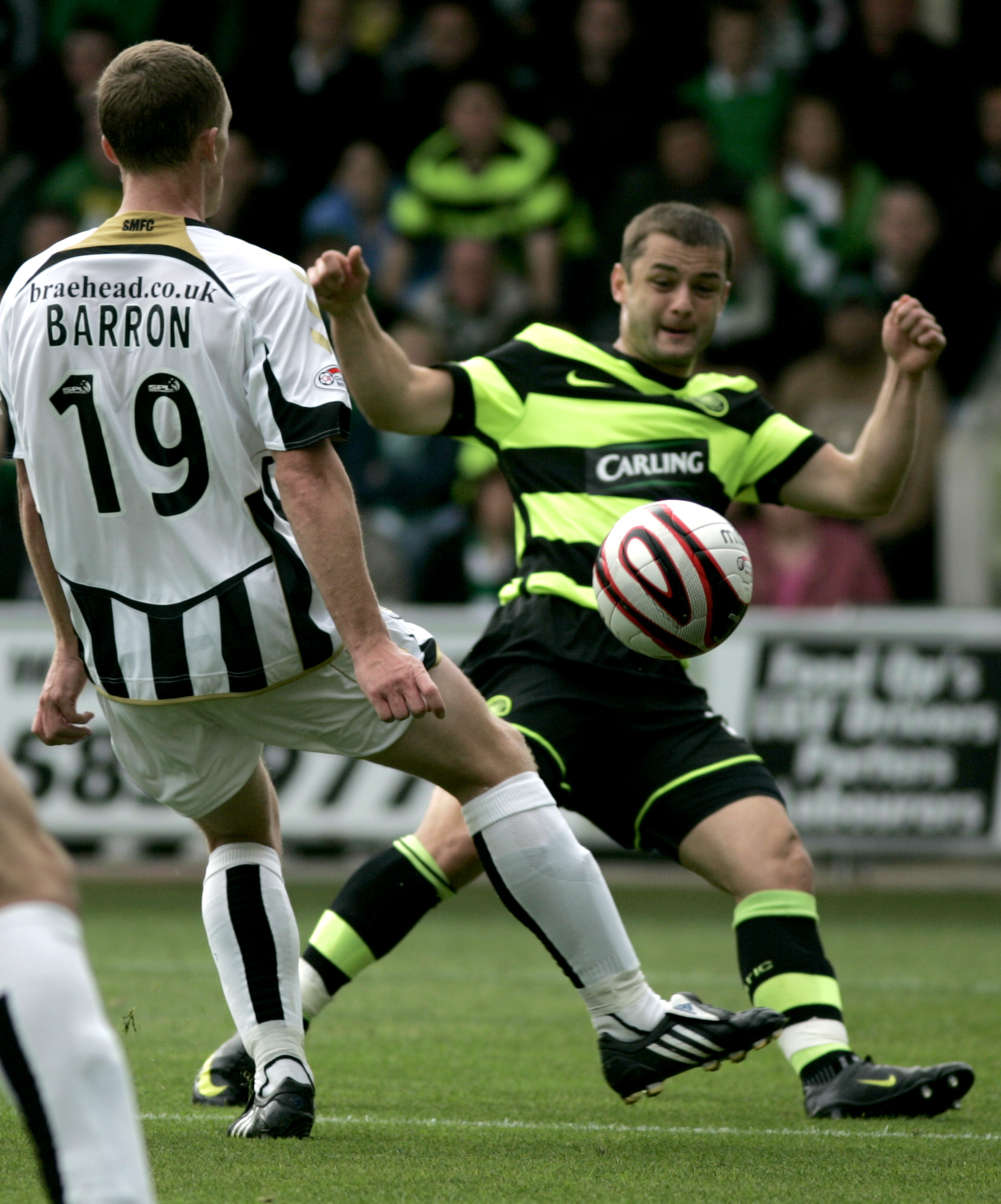 Shaun Maloney (right), seen here with his previous club Celtic, scored the all-important goal that gave Wigan a vital 1-0 victory over defending champions Manchester United on Wednesday (Alasdair Middleton/Wikimedia Commons).