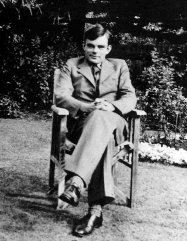 Alan Mathison Turing (CC BY 3.0), Alan Turing