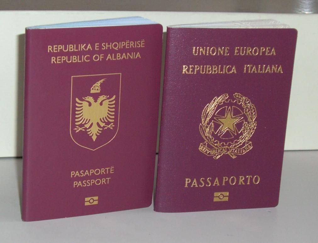 Passaporto albanese - Wikipedia
