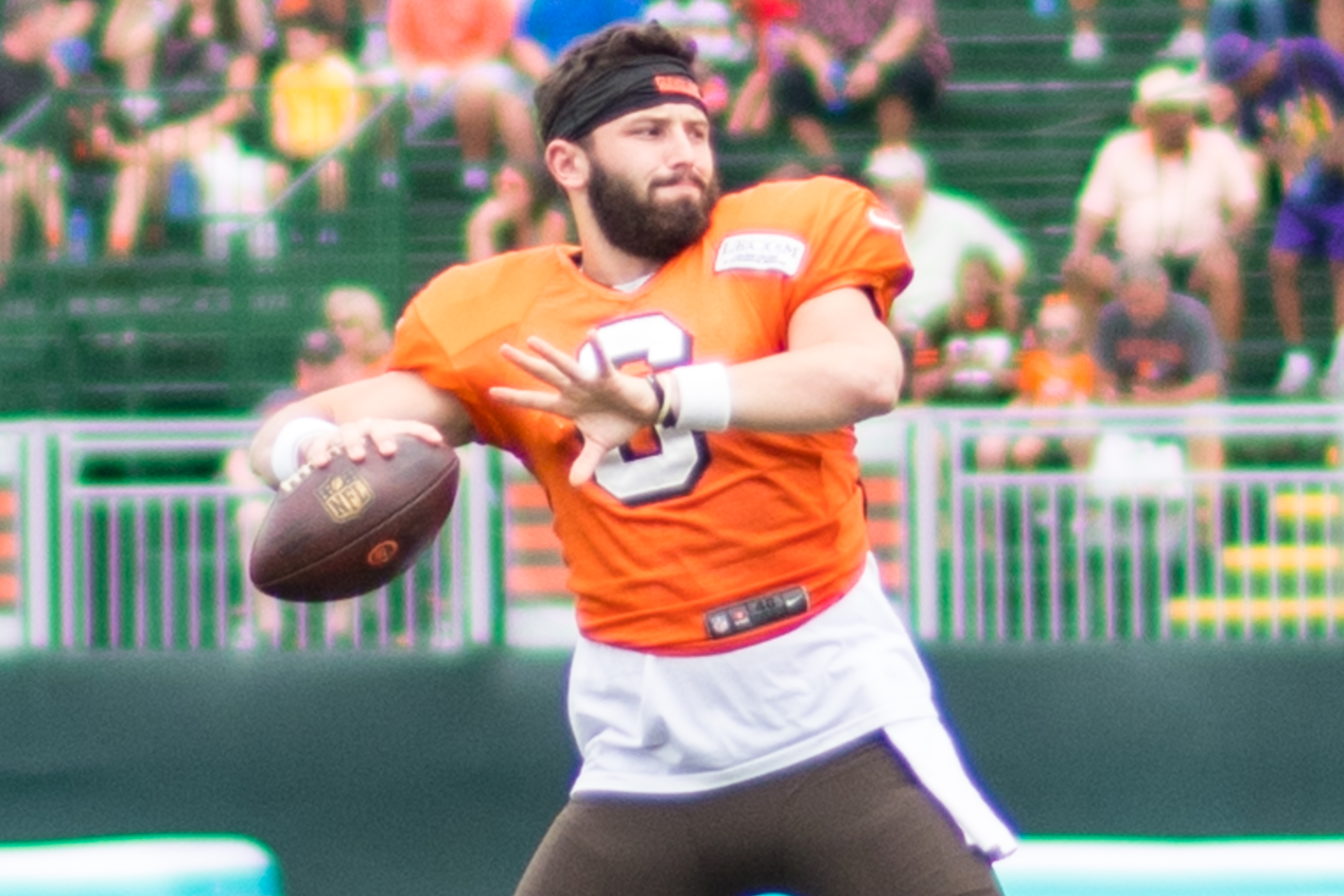 aa4a08596 File Baker Mayfield training camp 2018 (2).jpg - Wikimedia Commons