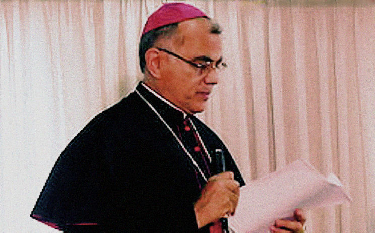 http://upload.wikimedia.org/wikipedia/commons/7/79/Baltazar-Enrique-Porras.jpg