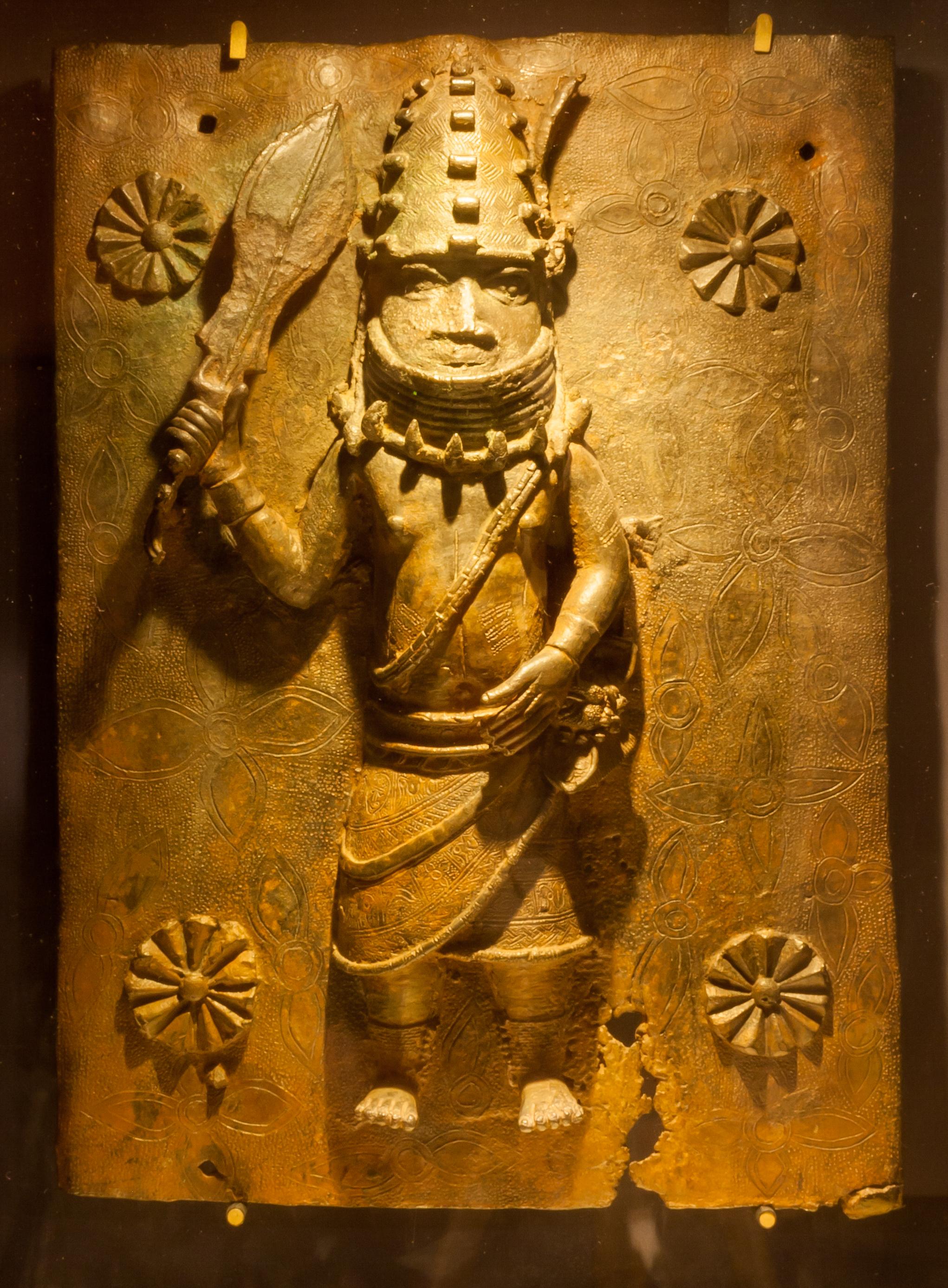 File:Benin Bronzes, Horniman Museum 3.jpg - Wikimedia Commons