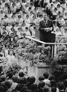 English: Billy Graham Français : Billy Graham