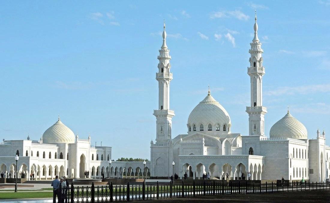 https://upload.wikimedia.org/wikipedia/commons/7/79/Bolgar_mosque.jpeg