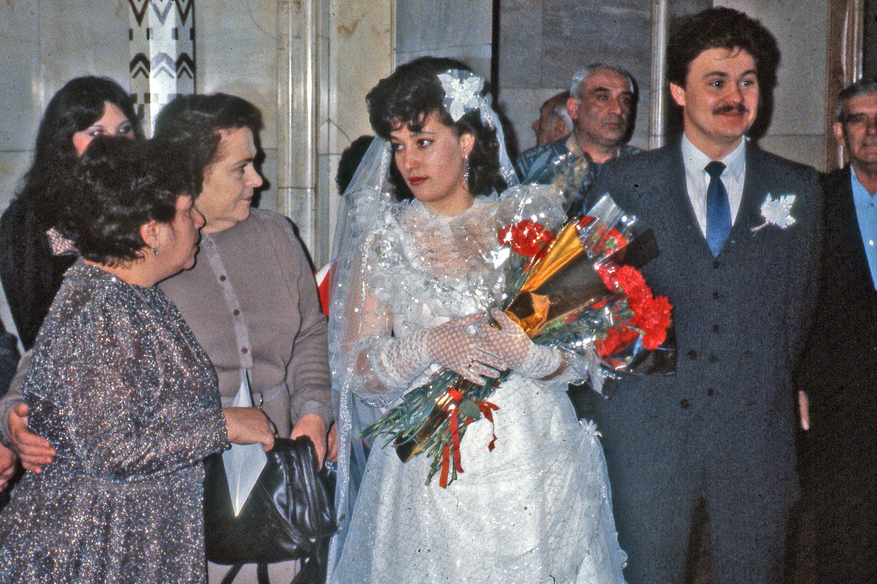 File Bride And Groom In Moscow Russia 1990 Jpg