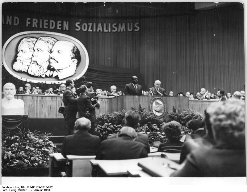 Henry Winston speaks in [[East-Berlin]], 1963