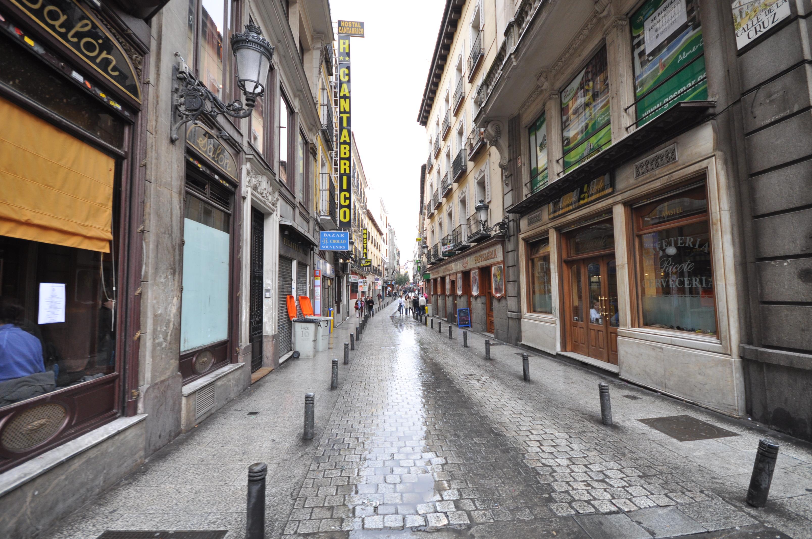 Opiniones de calle de la cruz for Hoteles en la calle prado de madrid