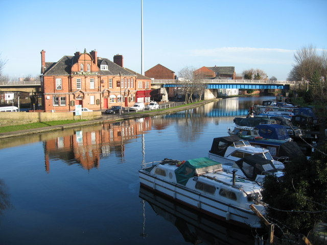 Canal Basin on Bridgewater Canal, Runcorn - geograph.org.uk - 650200