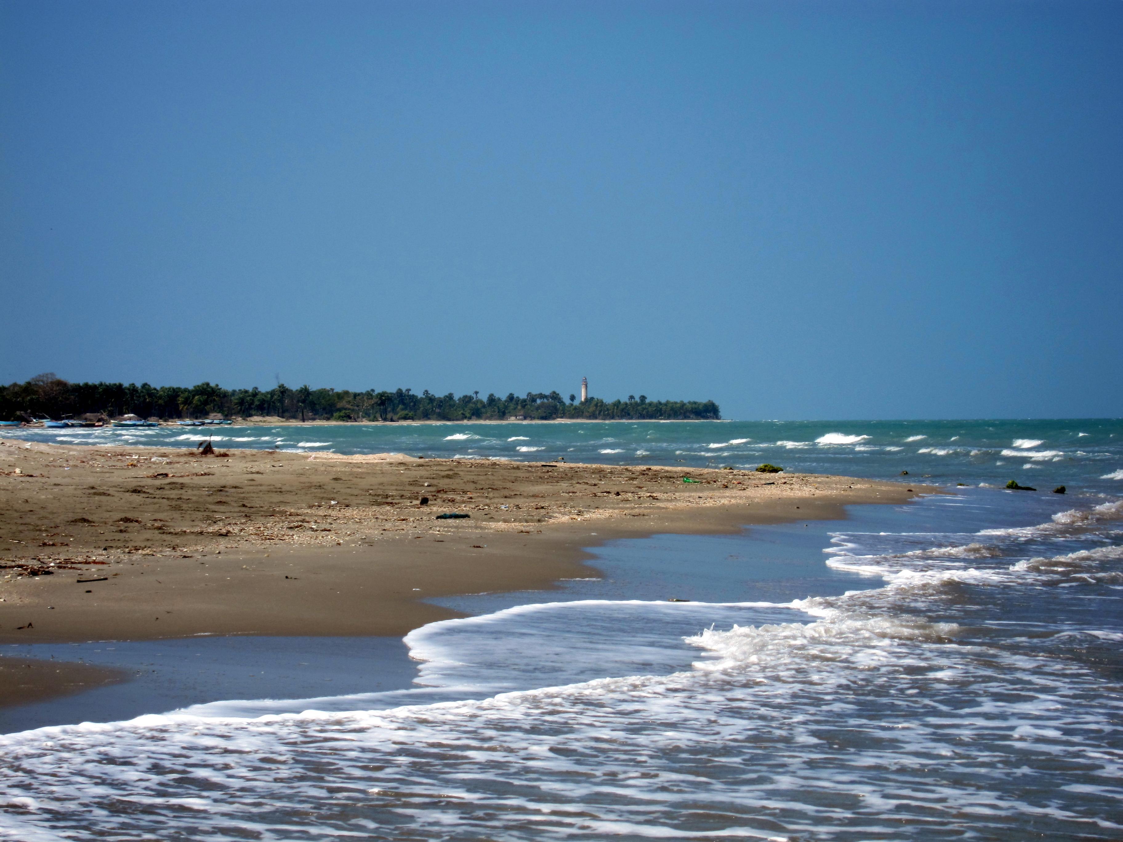 File:Casuarina Beach.jpg - Wikimedia Commons Beach