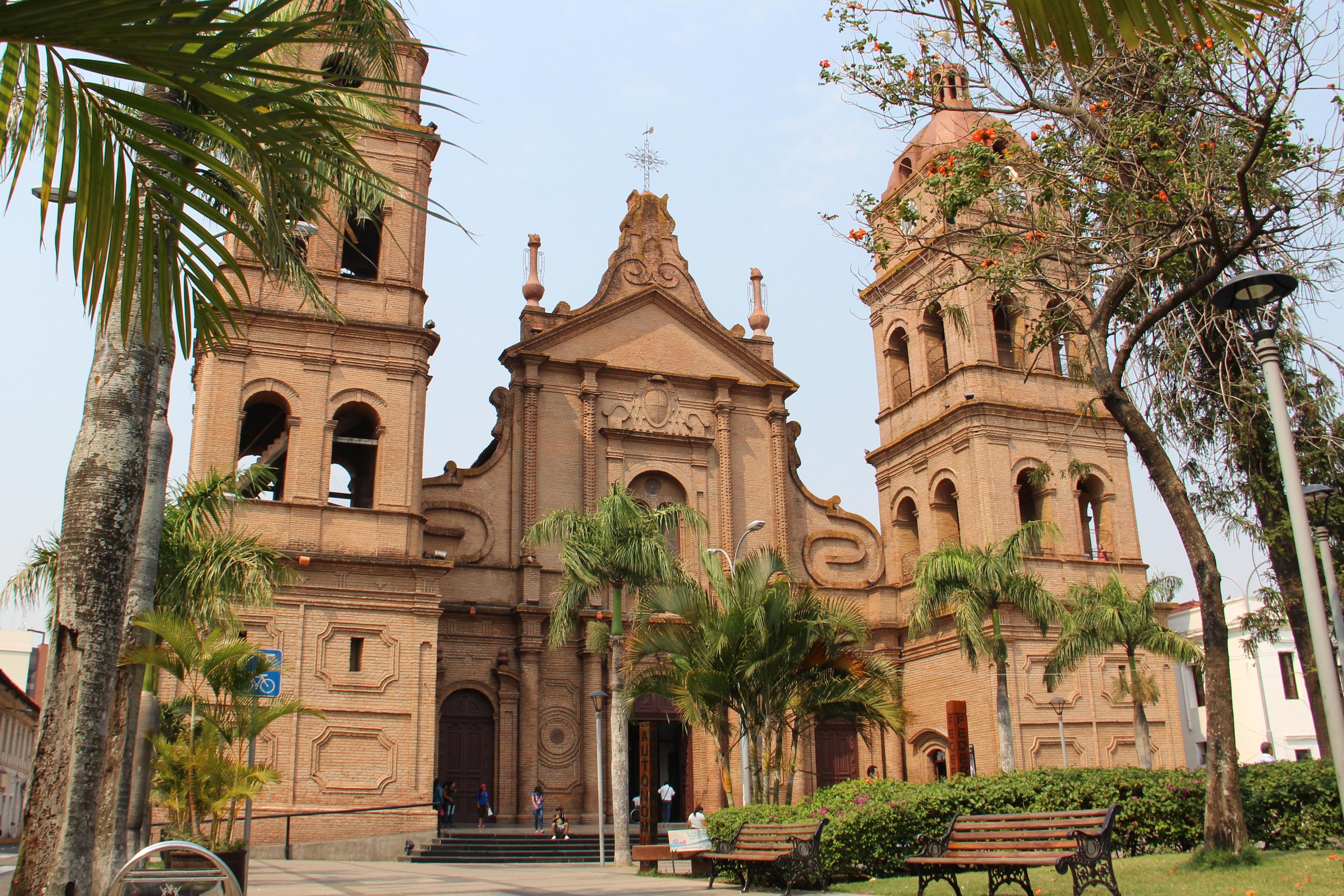 File catedral de santa cruz wikimedia commons for Casa la mansion santa cruz bolivia