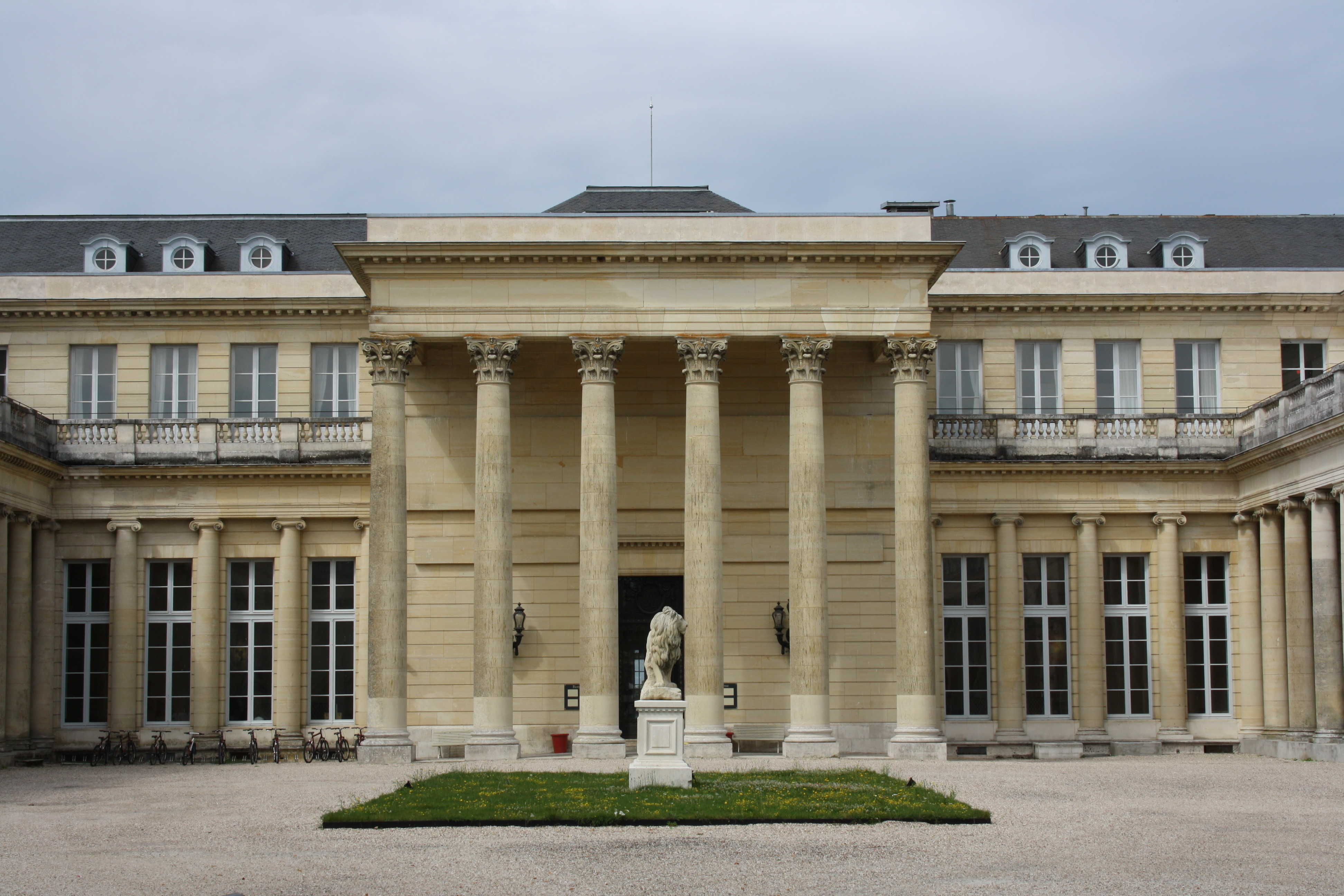 File ch teau de rochefort en yvelines 2011 for Chateau des yvelines