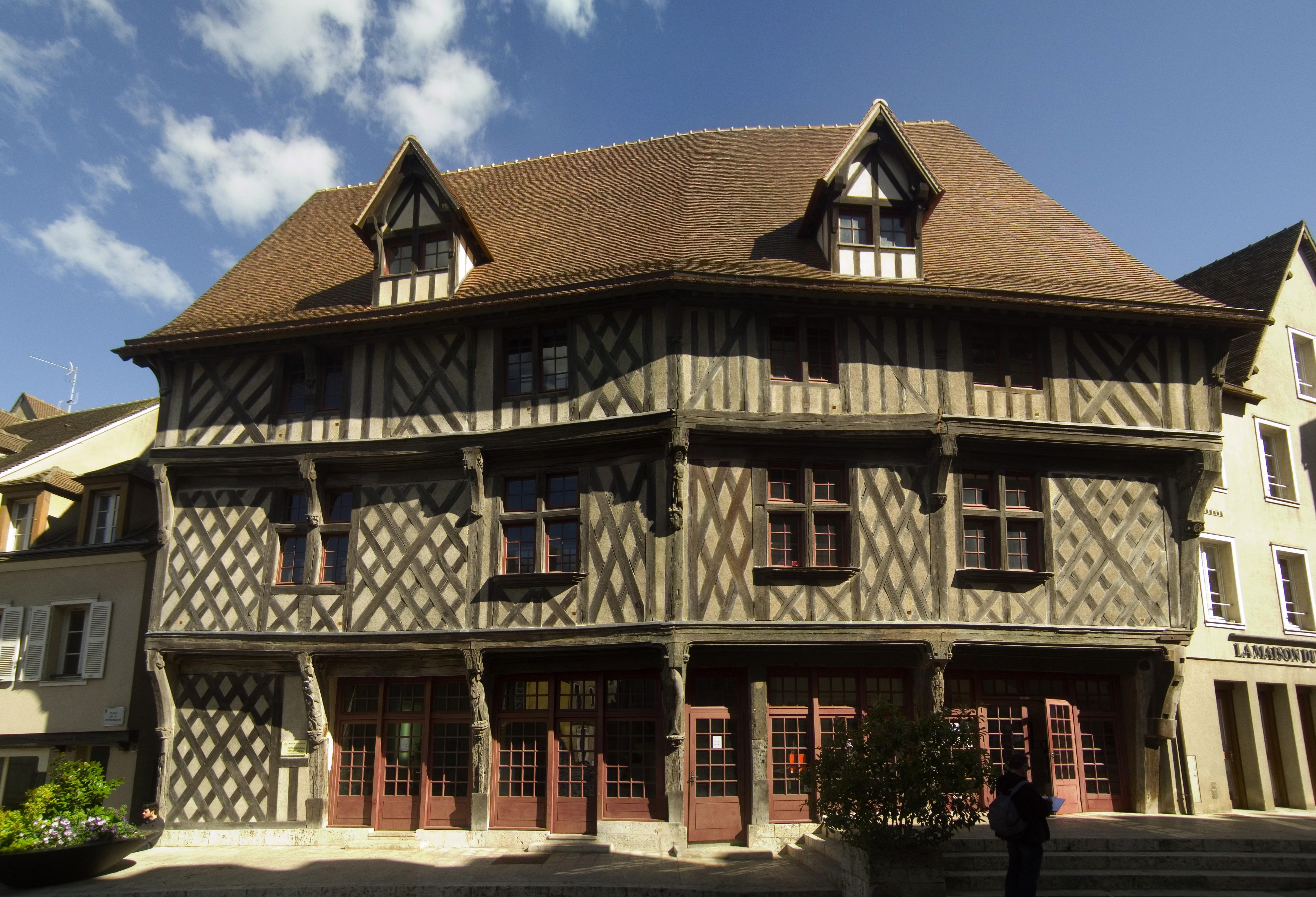 File chartres maison du saumon fa wikimedia for Maison du the paris