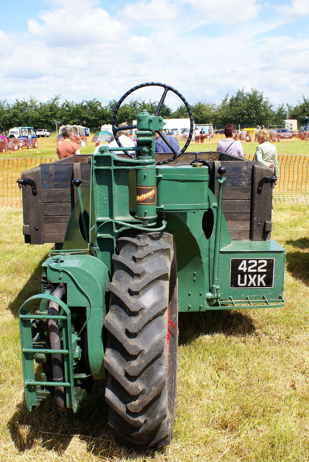 Monowheel tractor - Wikipedia