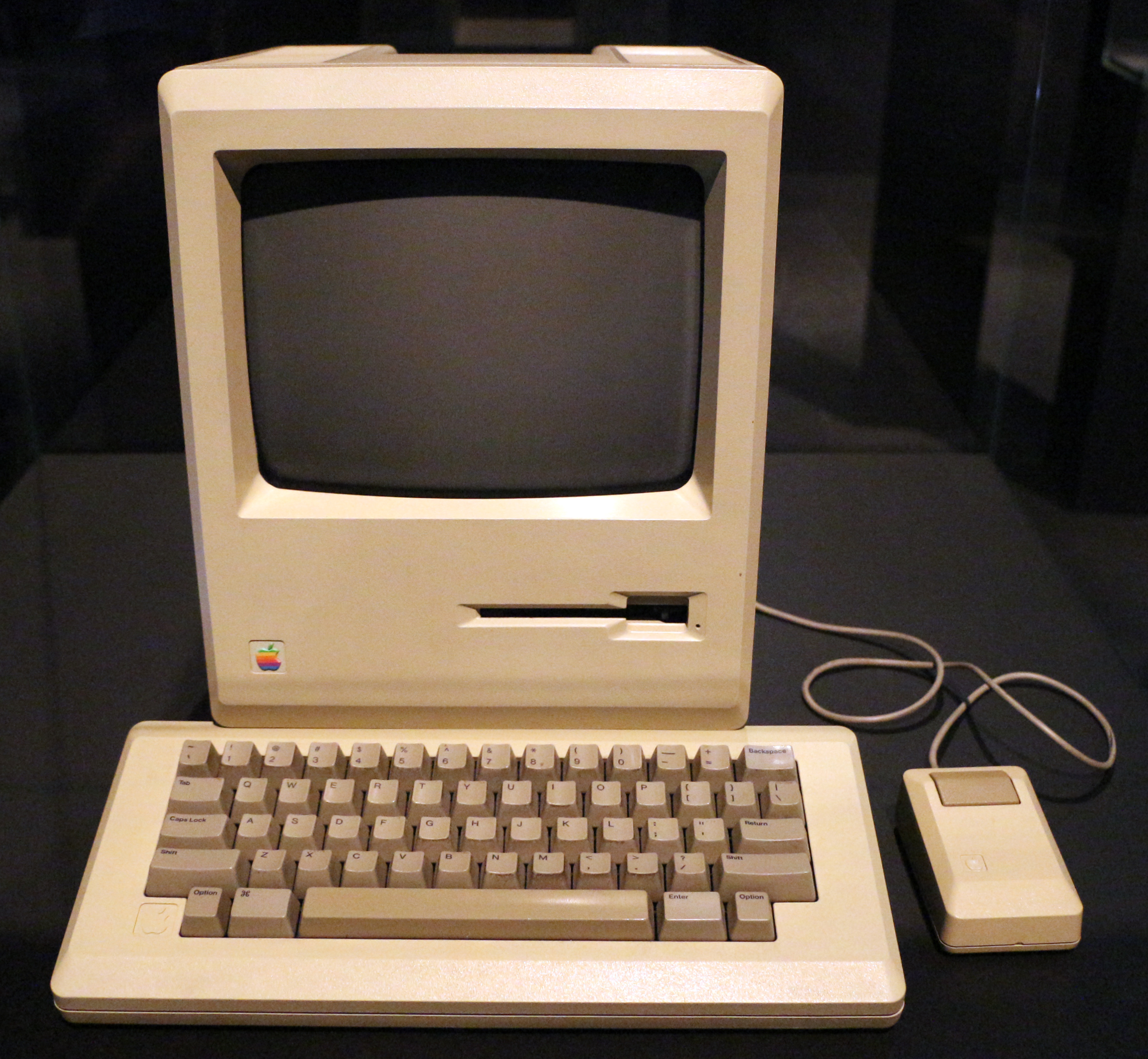 Computer macintosh 128k%2C 1984 (all about Apple onlus)