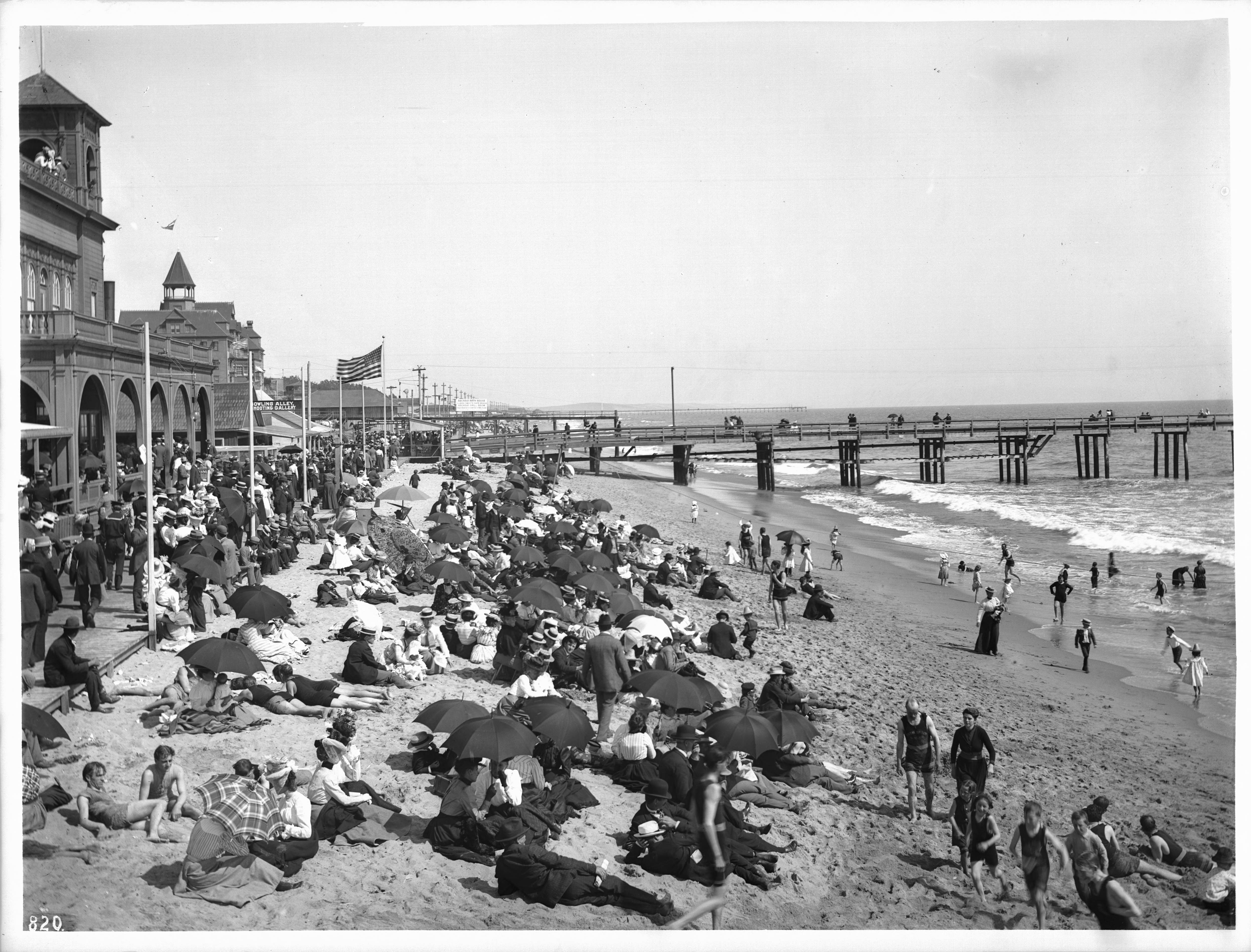 File Crowds Of People On Santa Monica Beach Ca 1900 Chs