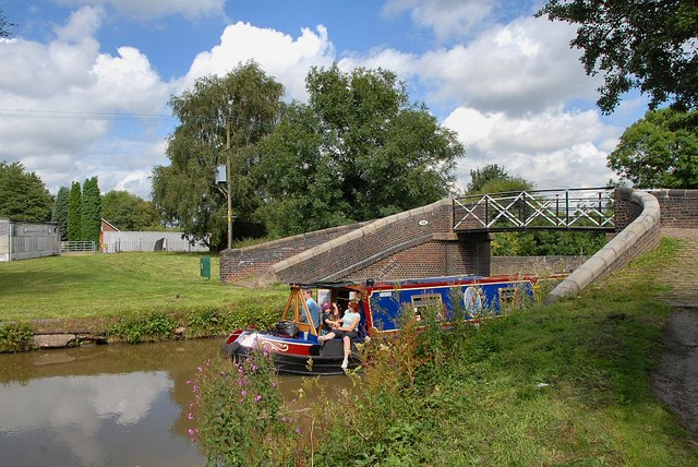 Cruising the Macclesfield canal - geograph.org.uk - 1527434