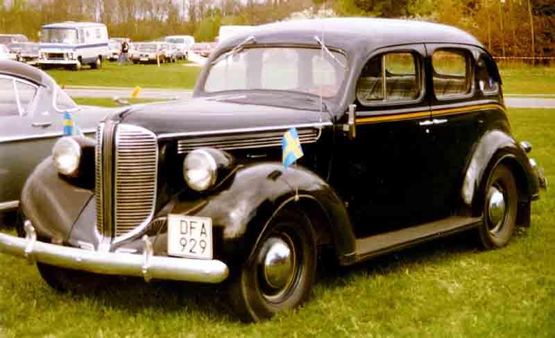 File:Dodge D8 Royal Touring Sedan 1938.jpg - Wikimedia Commons