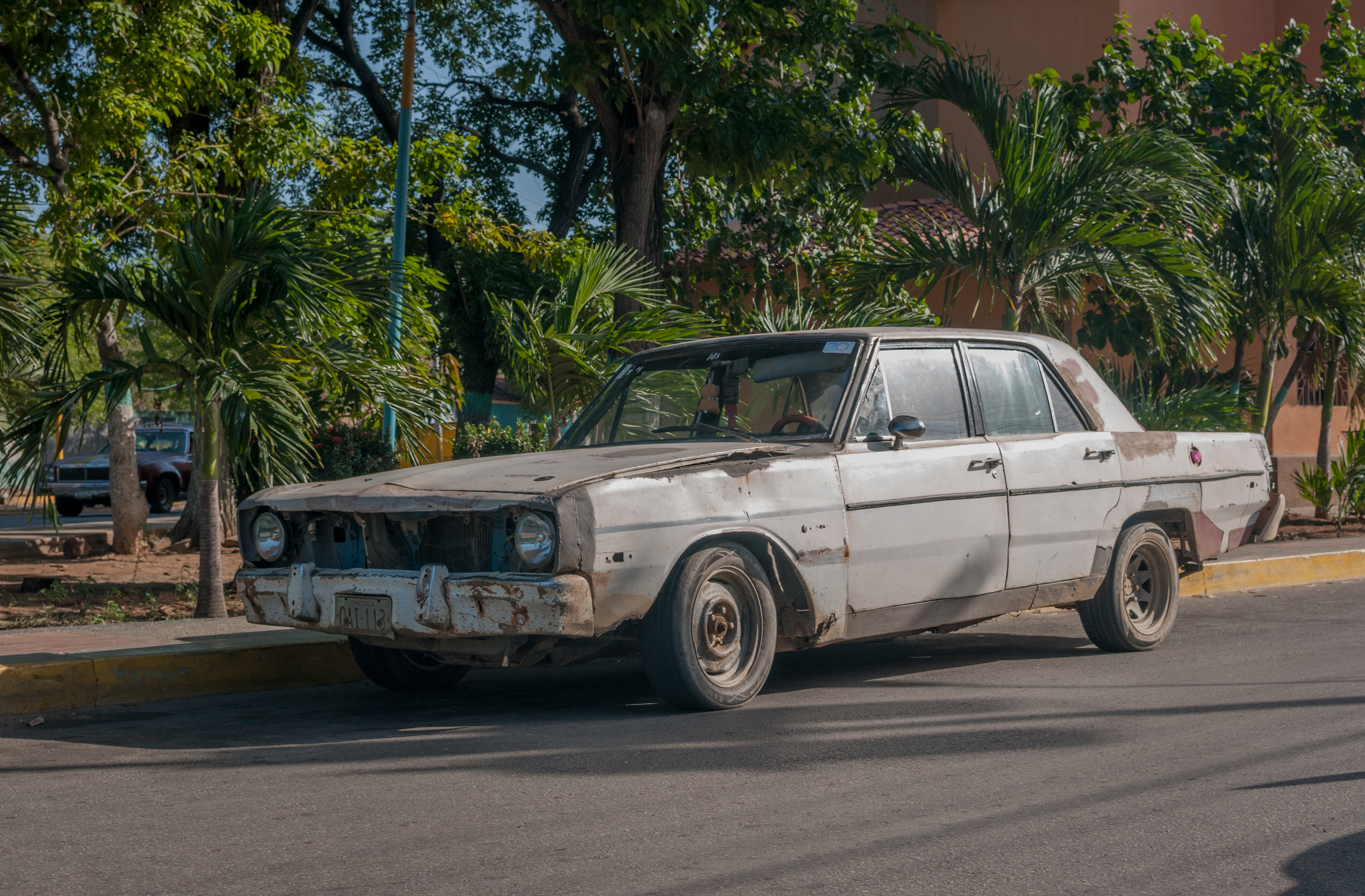 File Dodge Dart 1972 In Margarita Island Jpg Wikimedia