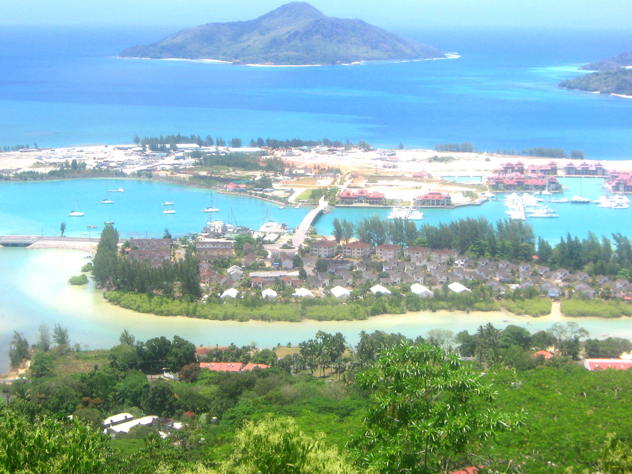 File eden island wikimedia commons - Eden island seychelles ...