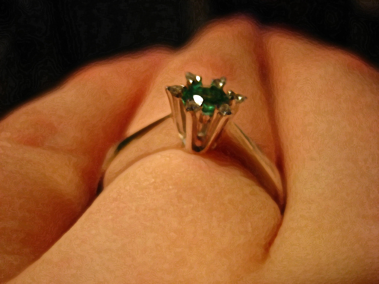 K Emerald Ring