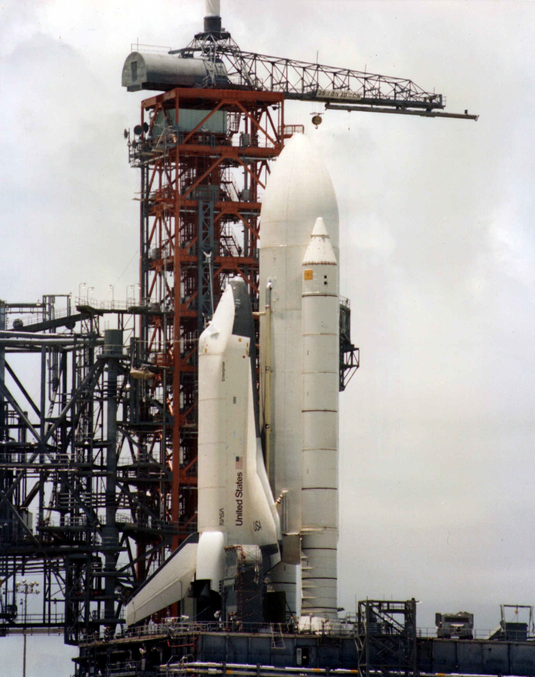 http://upload.wikimedia.org/wikipedia/commons/7/79/Enterprise_KSC_1979.jpg
