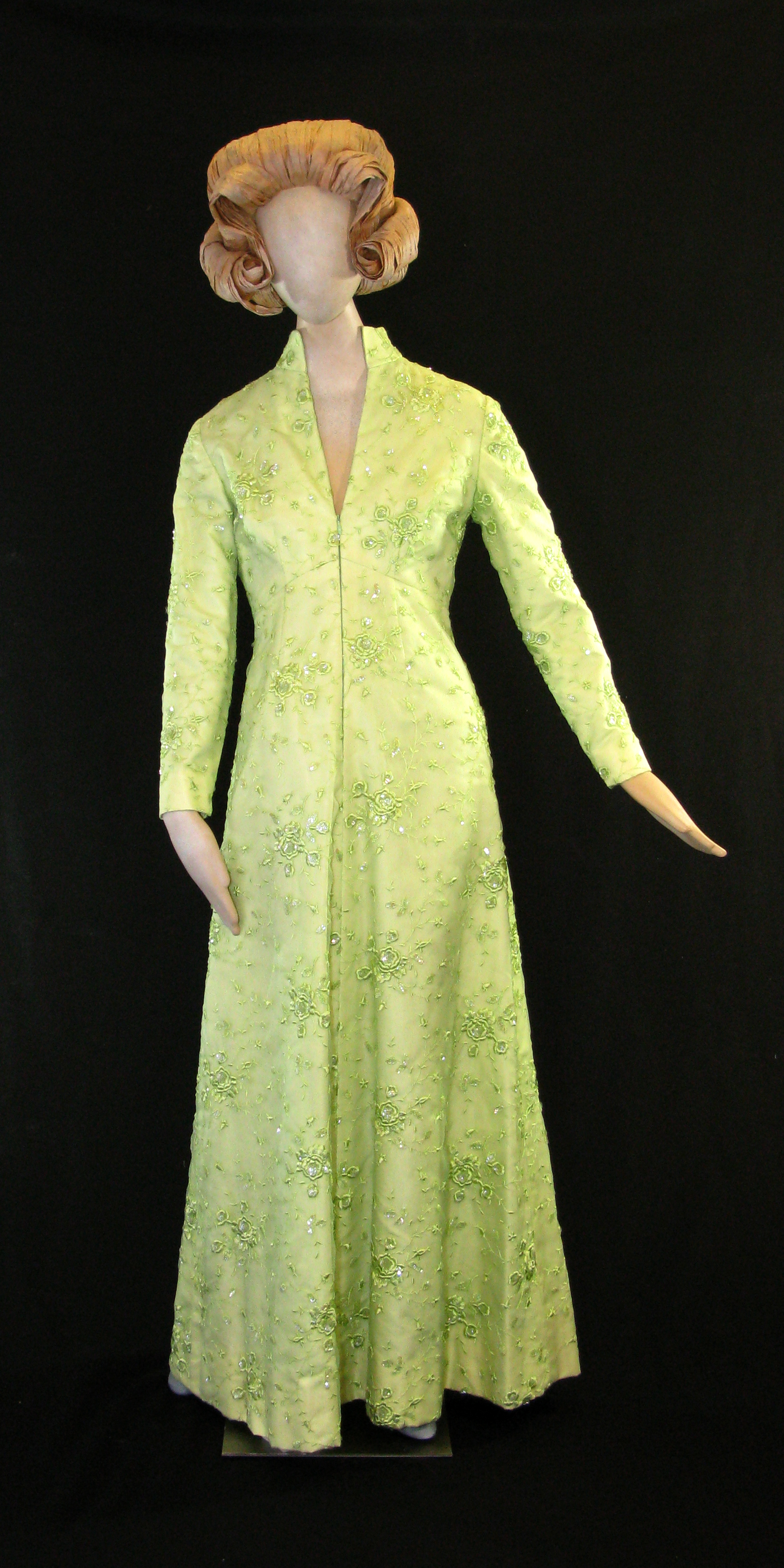 File:First Lady Betty Ford\'s green satin gown with embroidery and ...