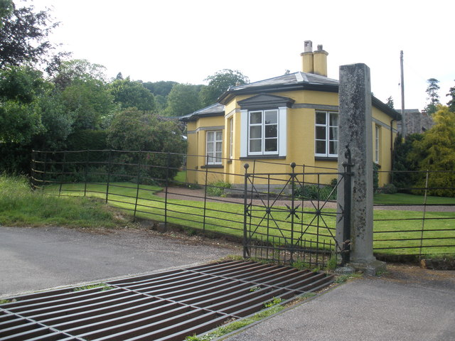 File:Gatehouse, at Killerton - geograph.org.uk - 1350953.jpg
