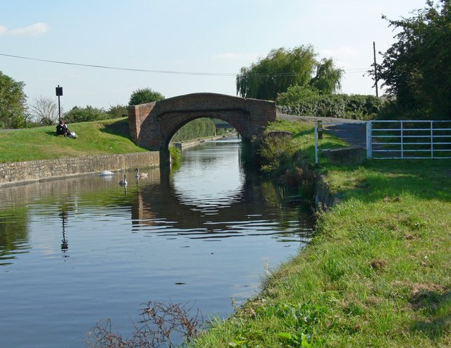 Grand Union Canal in Loughborough - geograph.org.uk - 553071