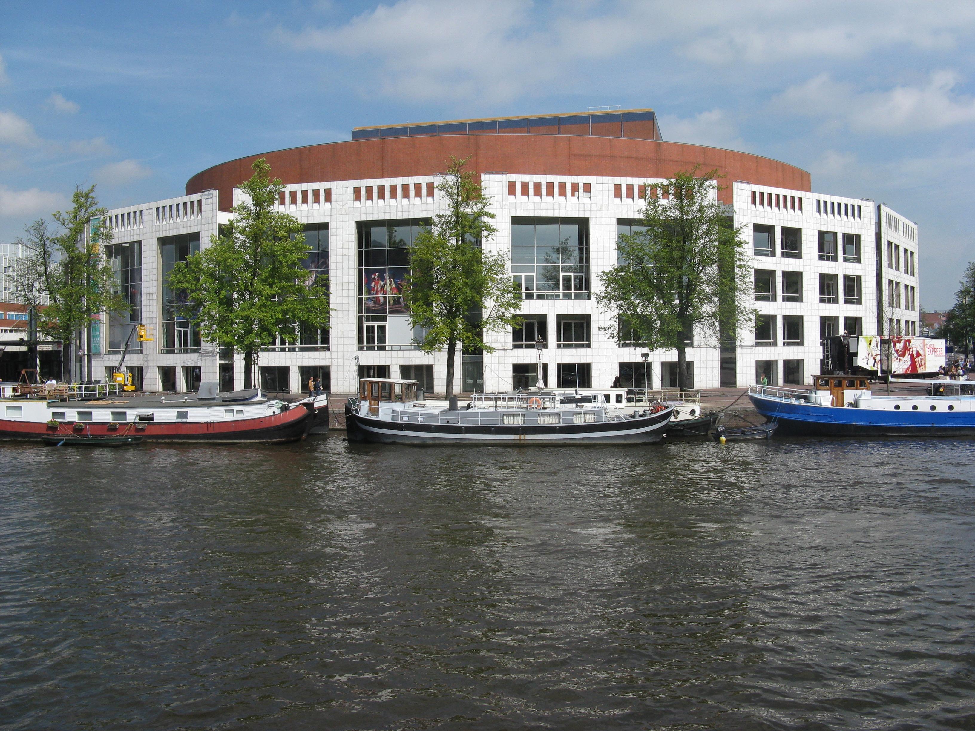 Het Muziektheater Amsterdam-Amsterdam.jpg