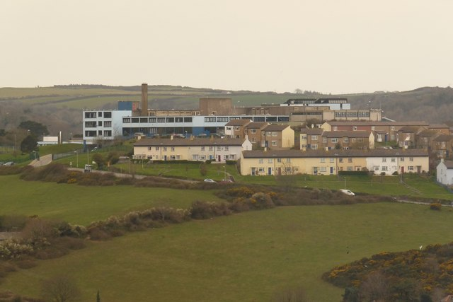 File:Ilfracombe College - geograph.org.uk - 1241023.jpg