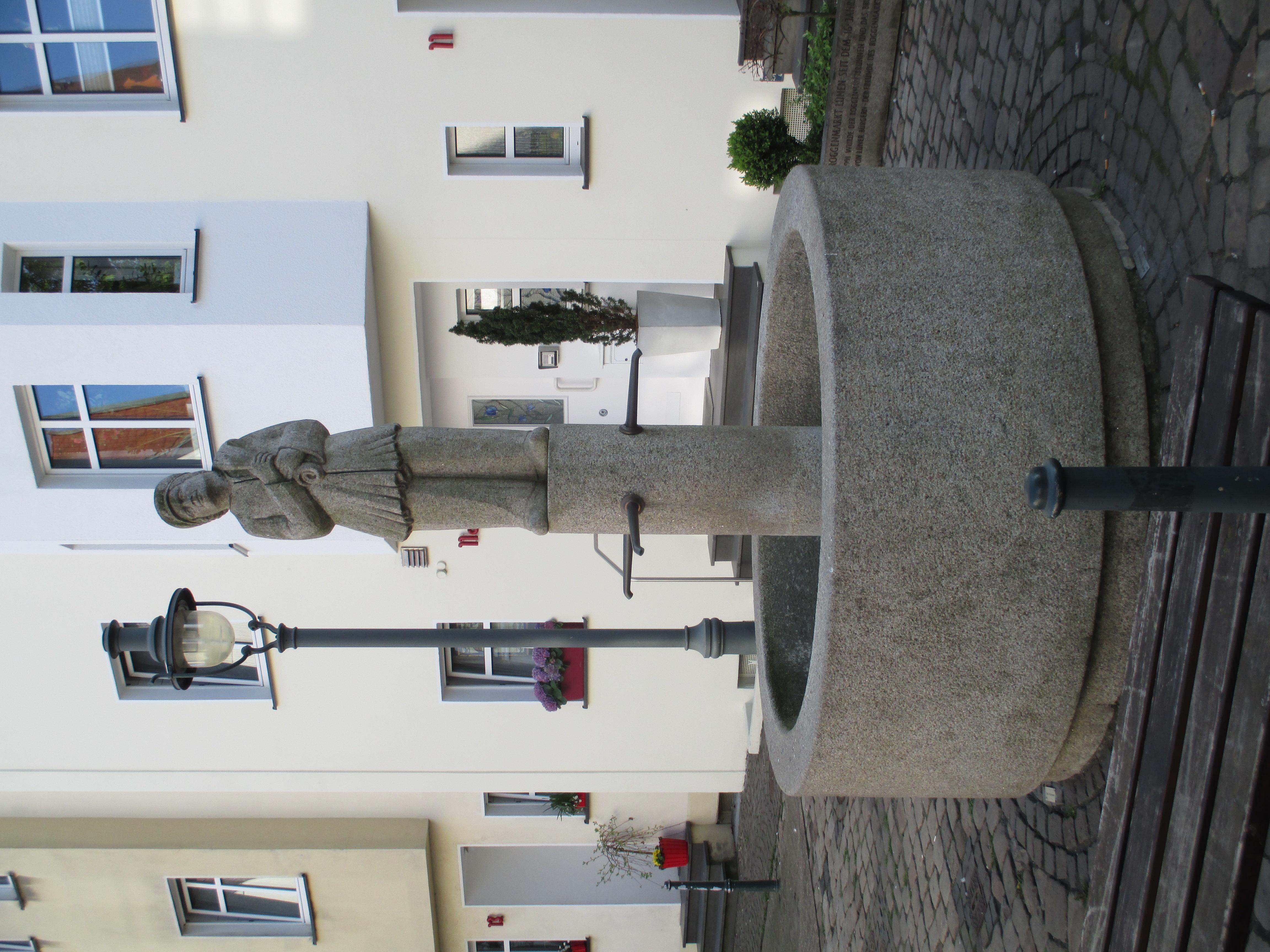 Schmidt Lünen file lünen roggenmarktbrunnen helmut schmidt 01 jpg wikimedia commons