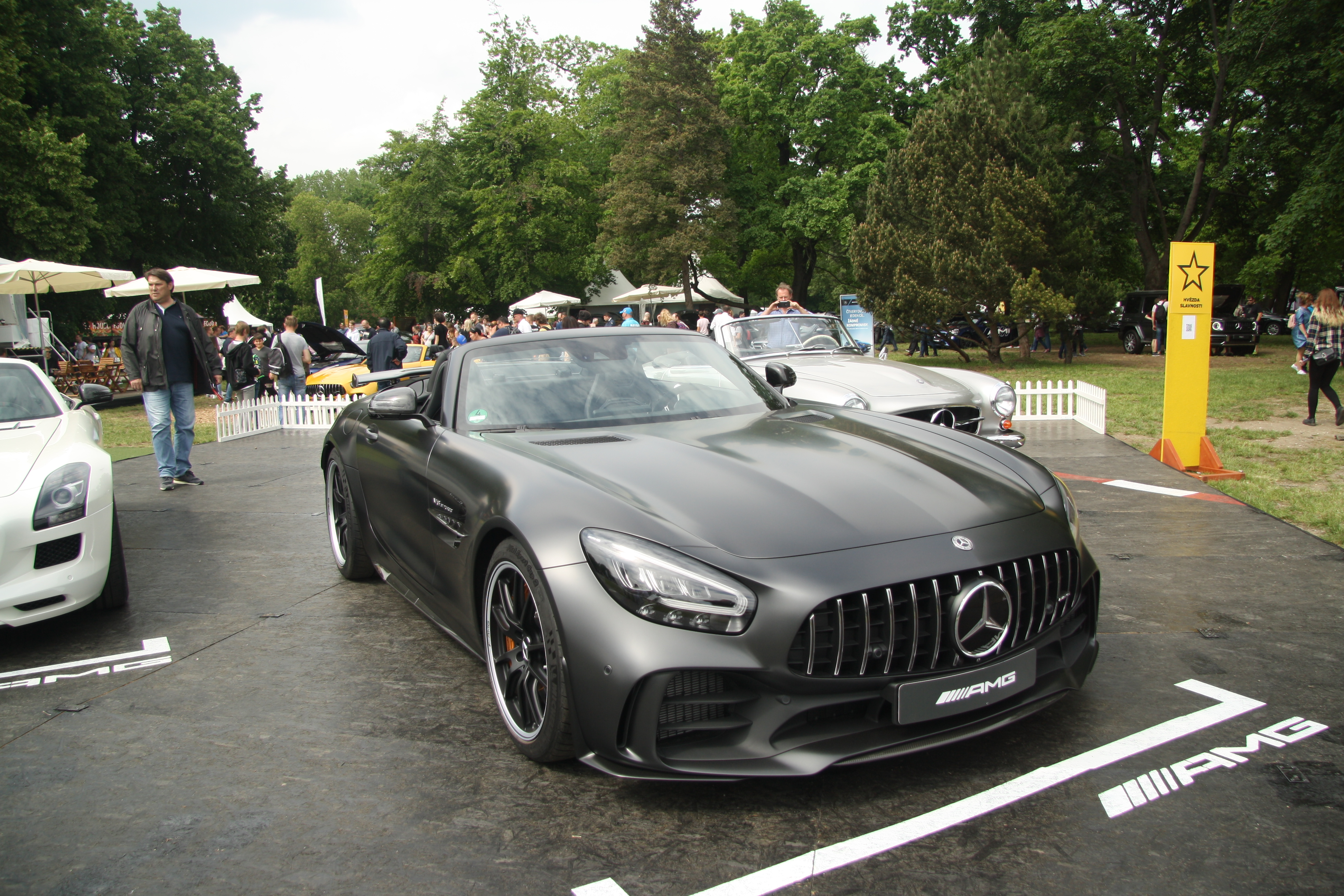 File Mercedes Benz Amg Gt R Roadster 2019 At Legendy 2019 In Prague Jpg Wikimedia Commons