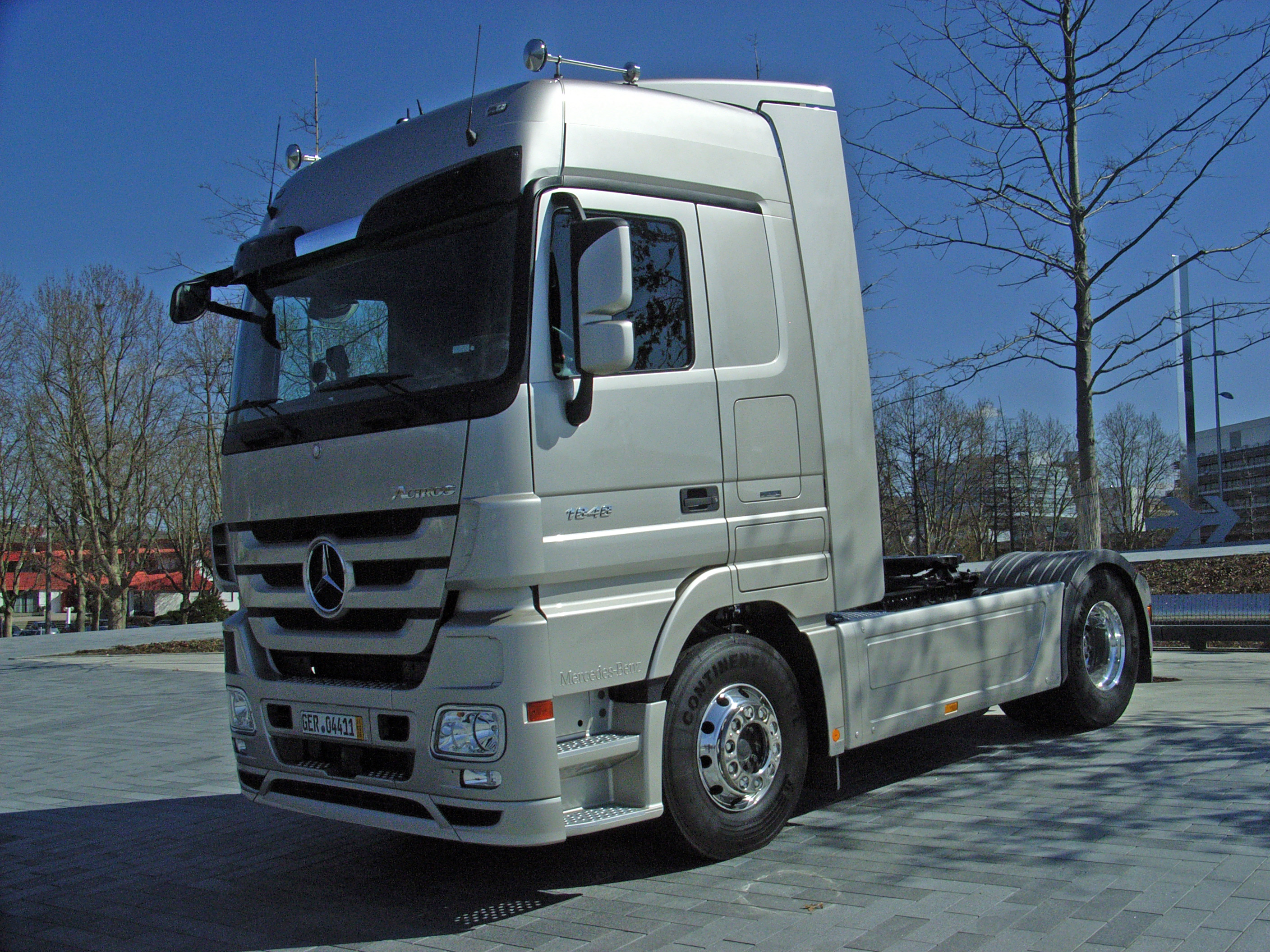 Mercedes benz actros wikiwand for Mercedes benz astros