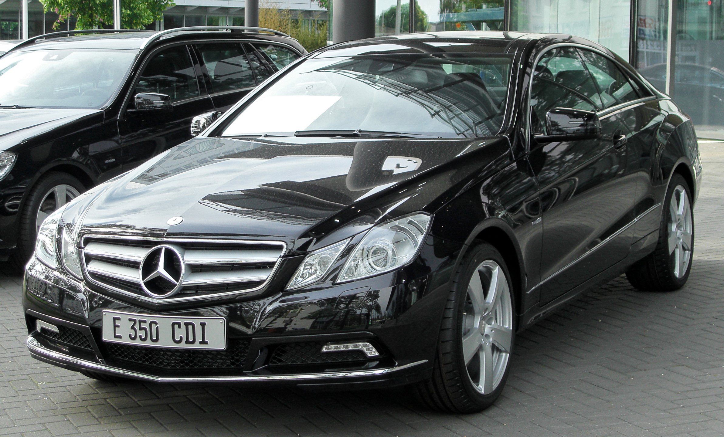 file mercedes e 350 cdi blueefficiency coup c207 front. Black Bedroom Furniture Sets. Home Design Ideas