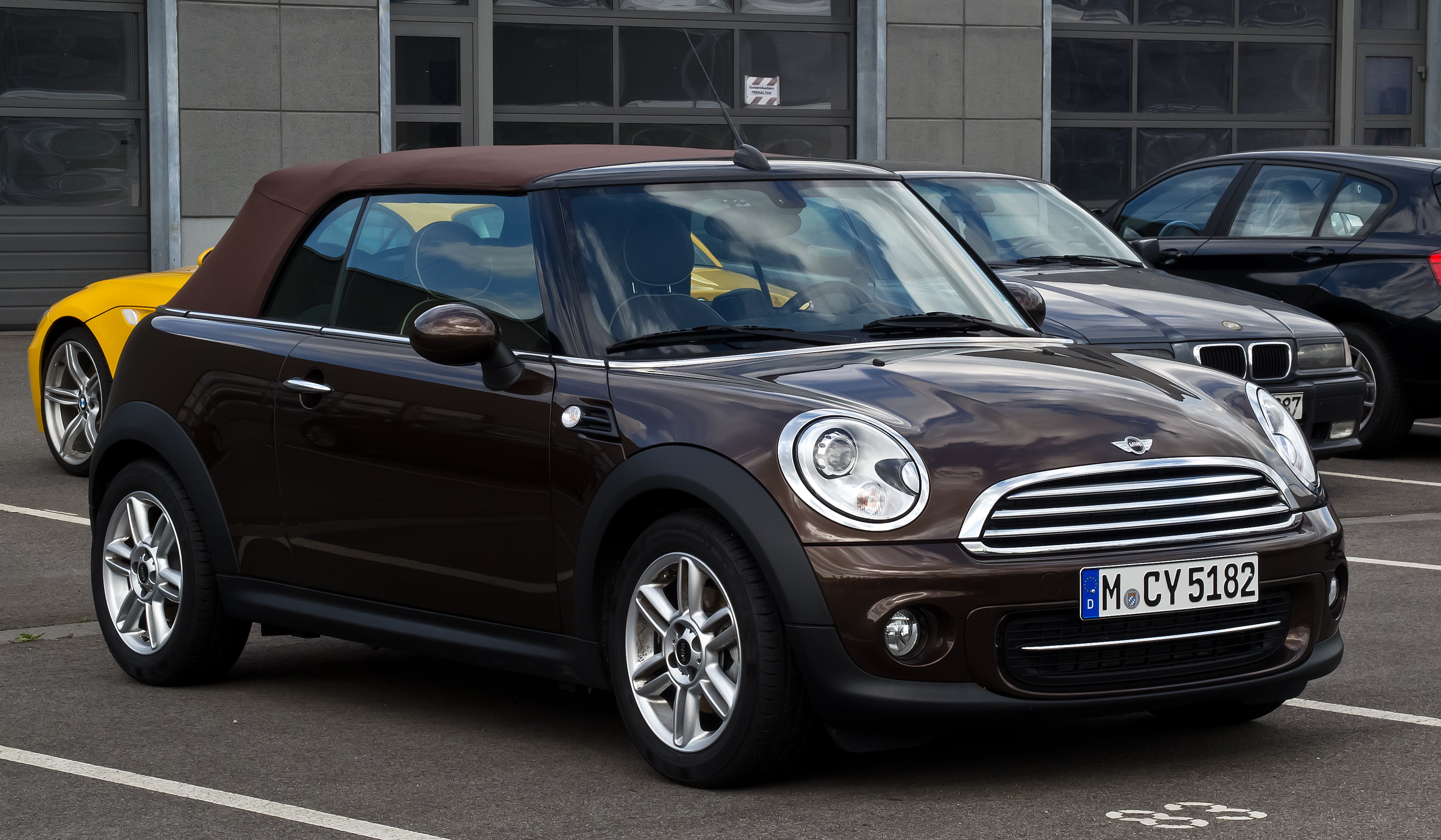 file mini cooper cabriolet r57 facelift frontansicht 17 juni 2012 d. Black Bedroom Furniture Sets. Home Design Ideas