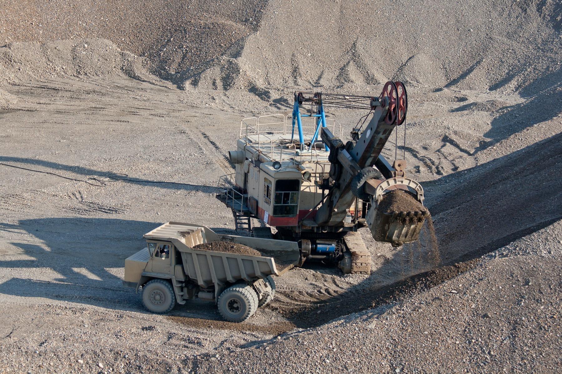 Mining near the city of Tomsk in Russia.jpg
