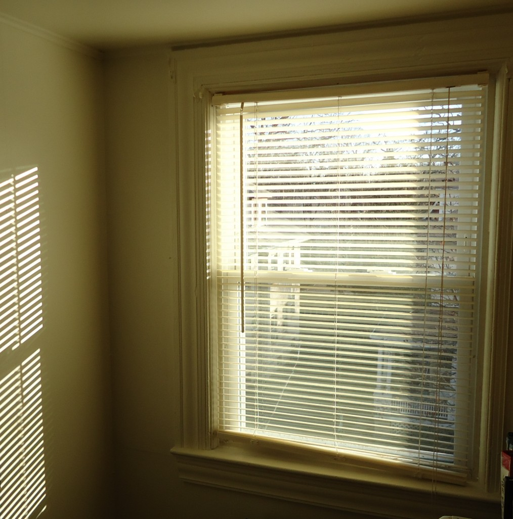 File:Pattern of light on wall by sun through blinds plus window.JPG ...