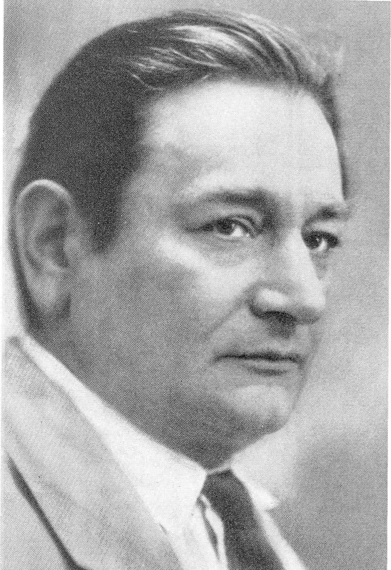 Paul Bekker.