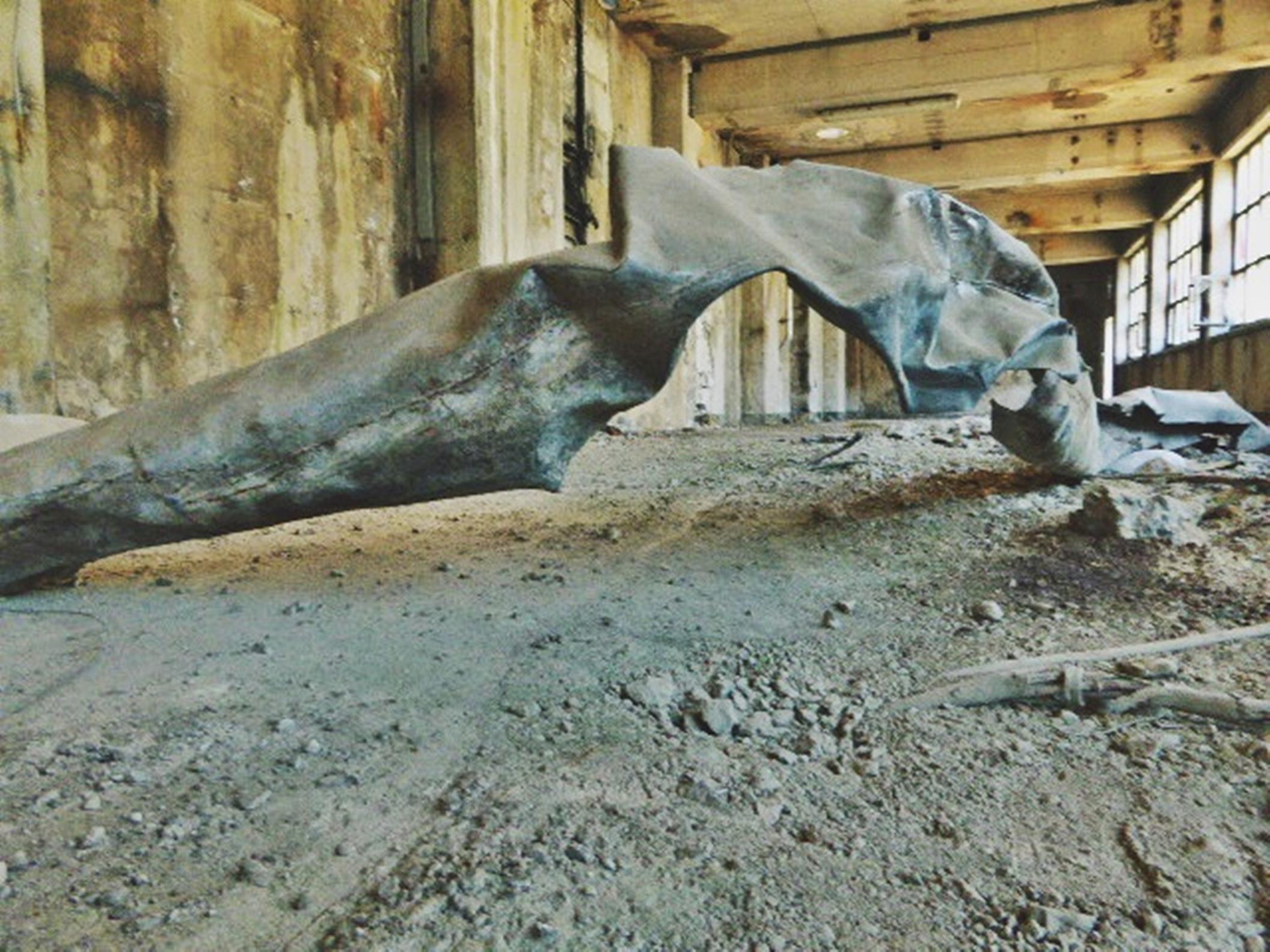 File:Pedro Meier Skulptur, Zyklus »Almost Readymade Nr. 07« 2016,  (Eisenblech patiniert, Objets trouvés). Skulpturenpark Art Campus Attisholz  bei Solothurn, Schweiz. Foto © Pedro Meier Multimedia Artist.jpg -  Wikimedia Commons