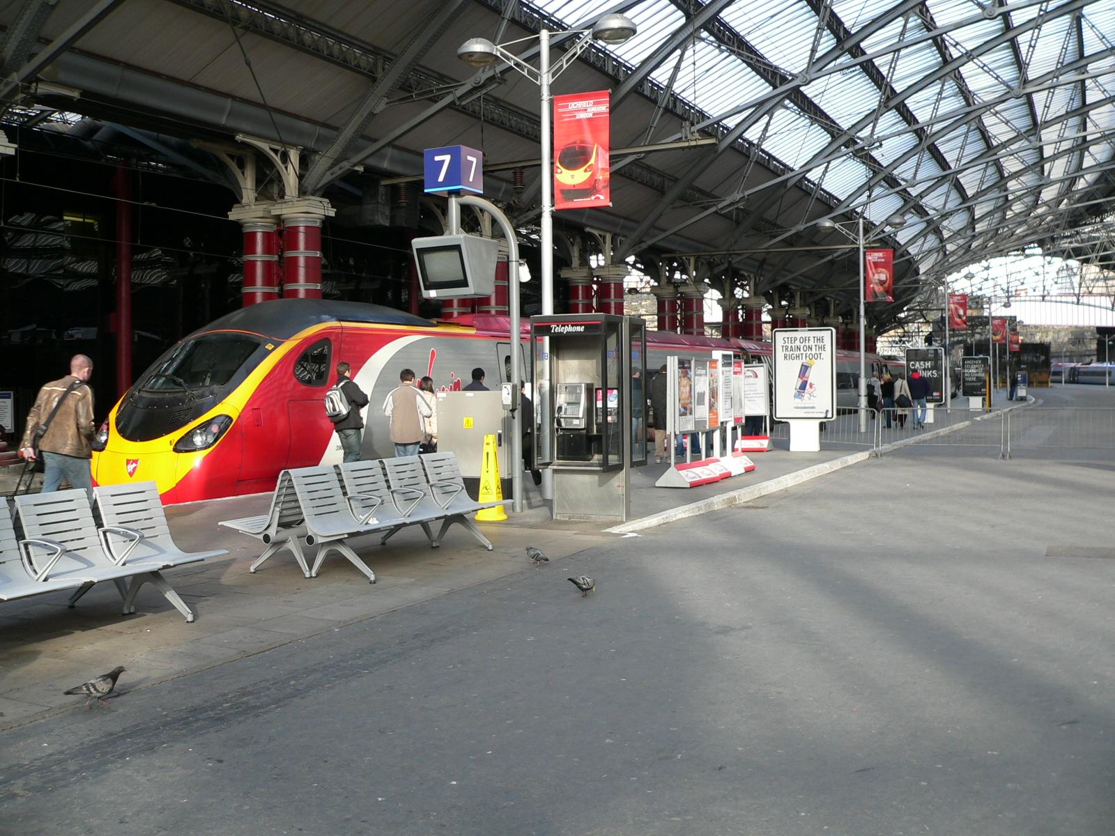 FilePlatform 7 At Liverpool Lime Street Railway Station 02