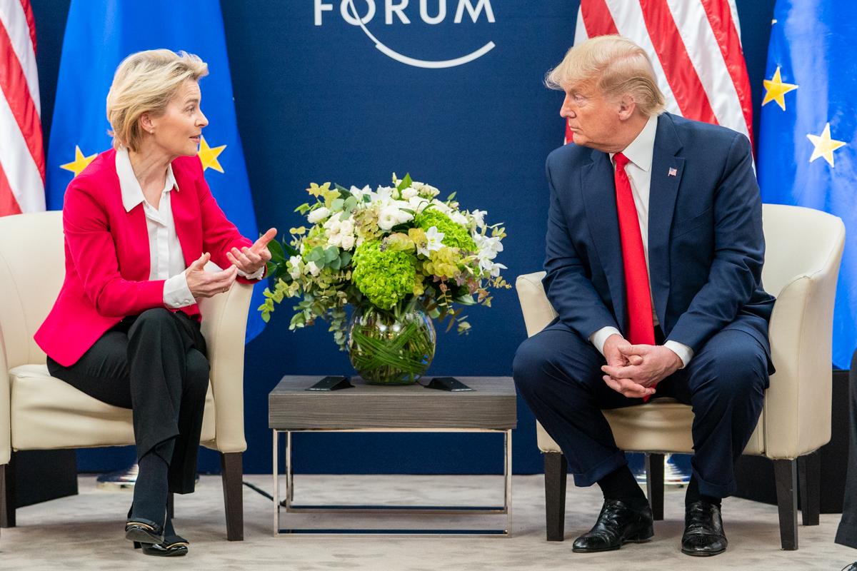 President Trump at Davos (49419755351).jpg
