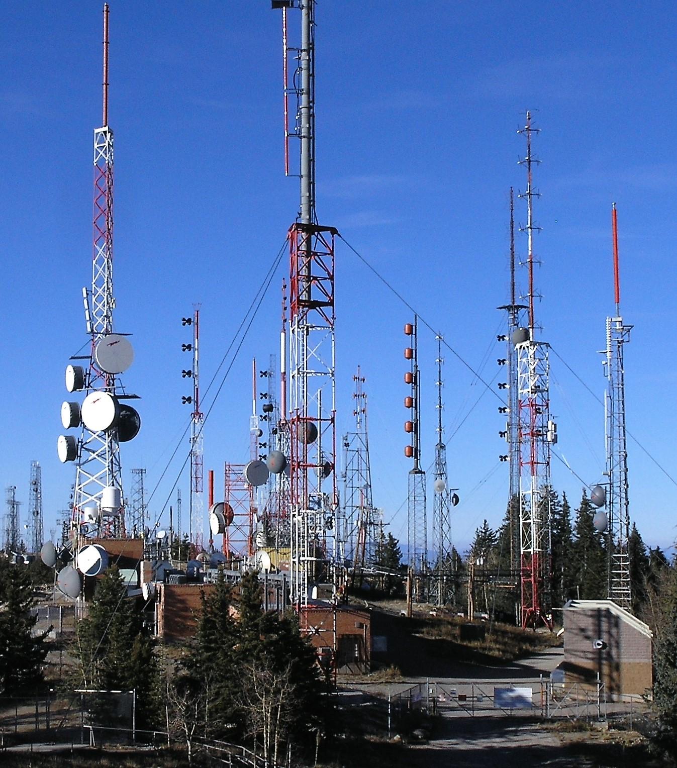 Radio - Wikipedia