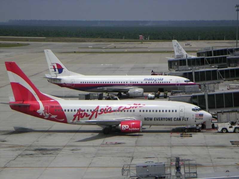File:SMS0498 KLIA AirAsia MAS cs.jpg