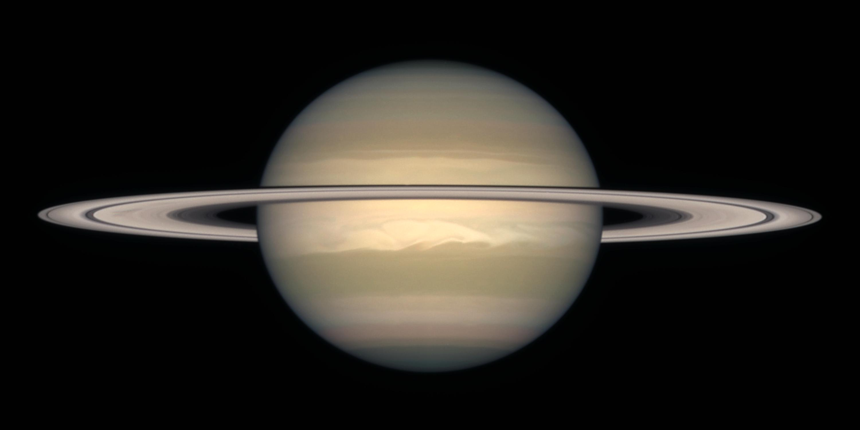 File:Saturn from Hubble.jpg - Wikimedia Commons