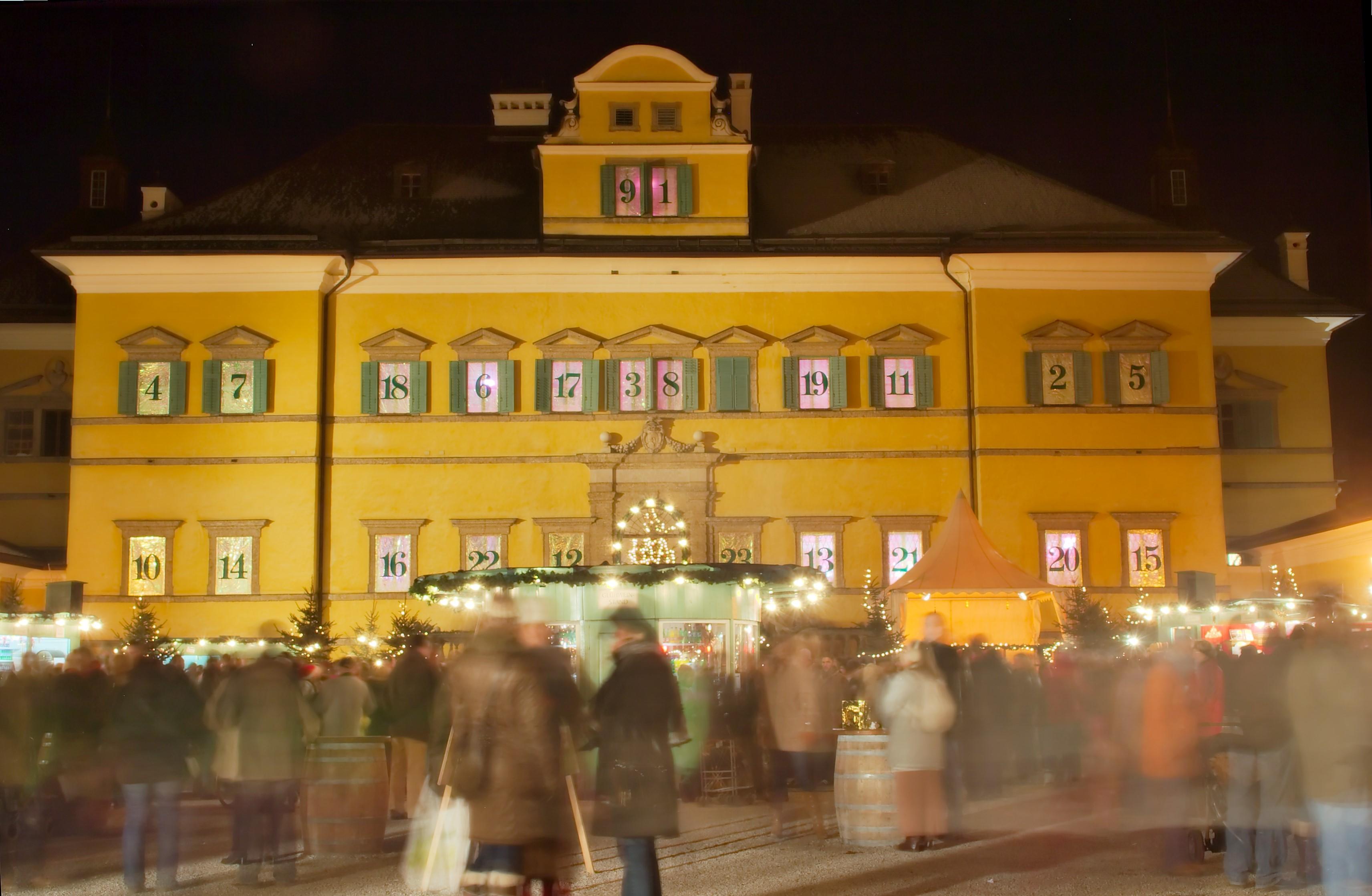 Schloss Hellbrunn zur Adventszeit.jpg