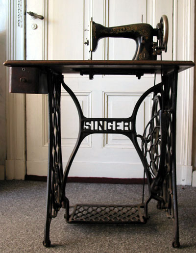 Singer Corporation Wikipedia Classy 1910 Singer Sewing Machine For Sale